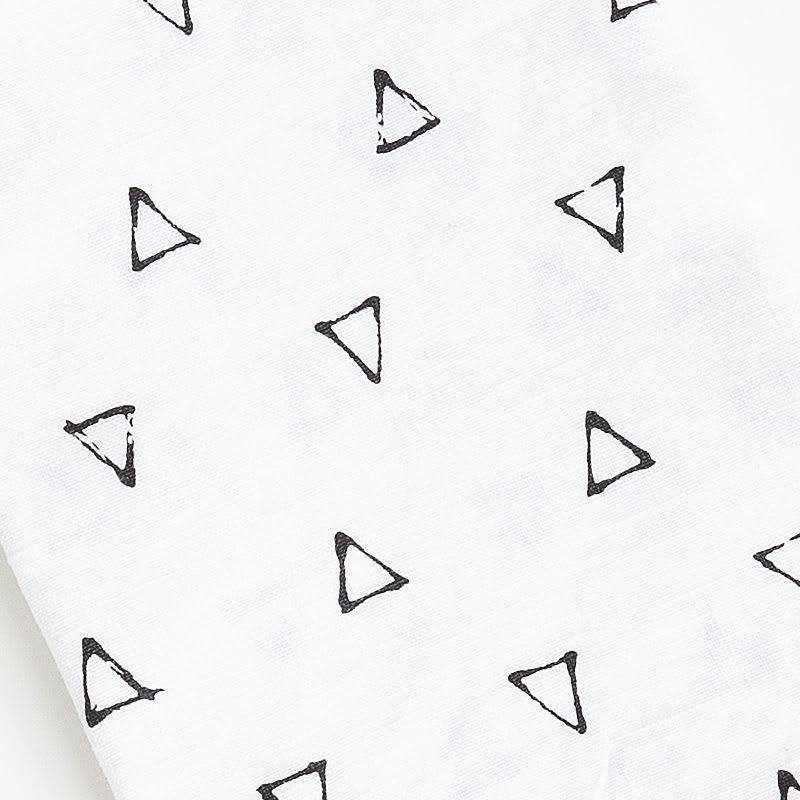 French stonewashed linen triangle upclose web